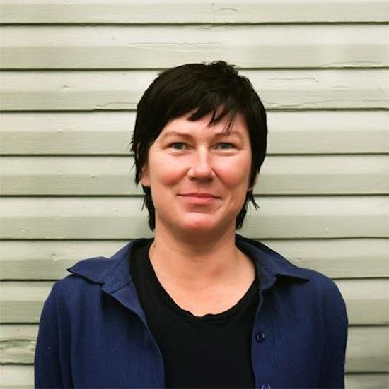 Kim Deal Reveals Details Of New Single on Latest White House Press Releases
