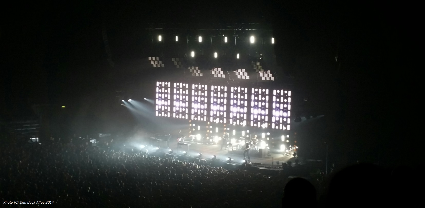 Live Review: Nine Inch Nails, Manchester Arena, 25th May 2014 – Skin ...