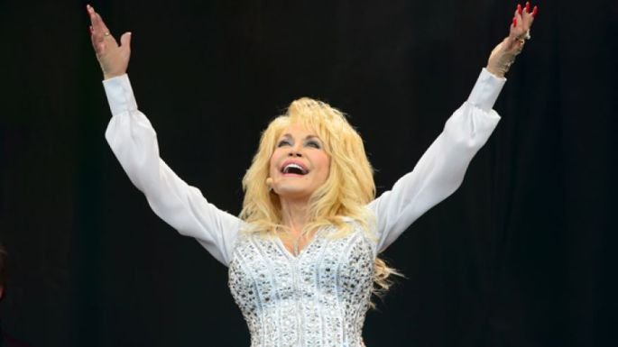 Dolly Parton_Glastonbury_Jonathan Short