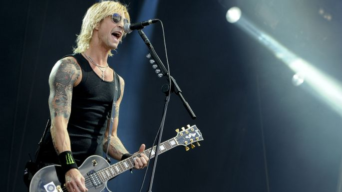Duff-Mckagan-on-stage