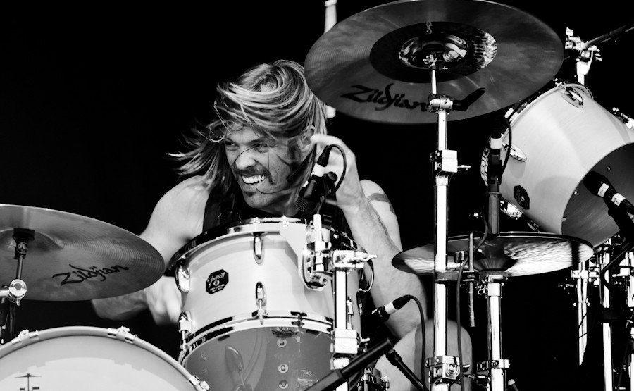 taylor hawkins singingtaylor hawkins and the coattail riders, taylor hawkins drum, taylor hawkins drum solo, taylor hawkins singing, taylor hawkins set drum, taylor hawkins instagram, taylor hawkins zildjian, taylor hawkins kota download, taylor hawkins foo fighters instagram, taylor hawkins twitter, taylor hawkins house, taylor hawkins astrotheme, taylor hawkins wife, taylor hawkins band, taylor hawkins and mimi, taylor hawkins drum gear, taylor hawkins son