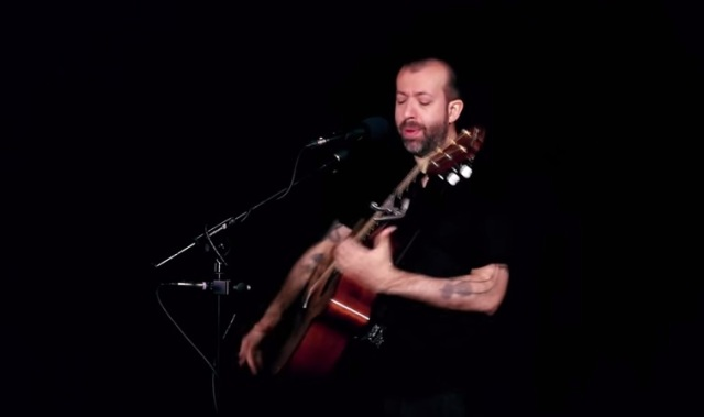 Jon Gomm Gloria crop